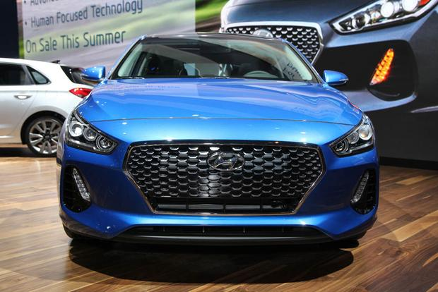 2018 Hyundai Elantra GT: Chicago Auto Show featured image large thumb0