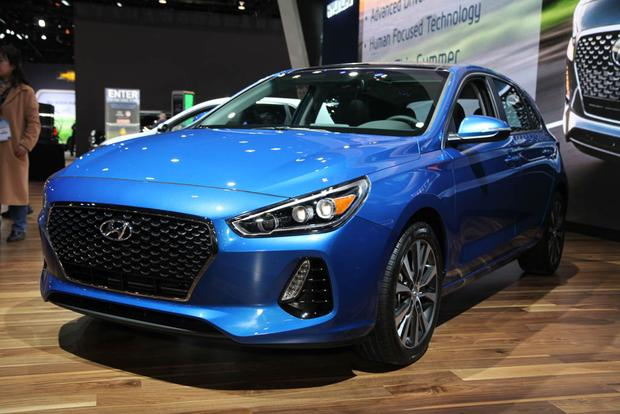 2018 Hyundai Elantra GT: Chicago Auto Show featured image large thumb1