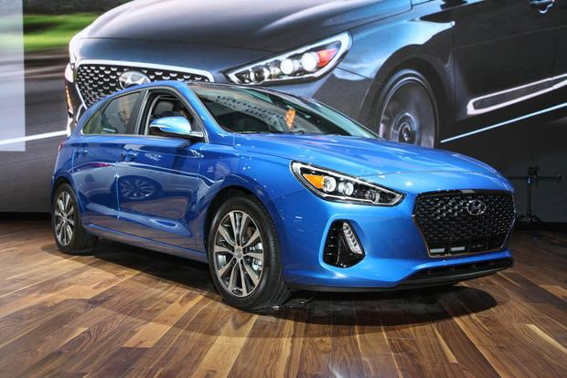 2018 Hyundai Elantra GT: Chicago Auto Show featured image large thumb4