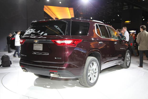 2018 Chevrolet Traverse: Detroit Auto Show featured image large thumb2