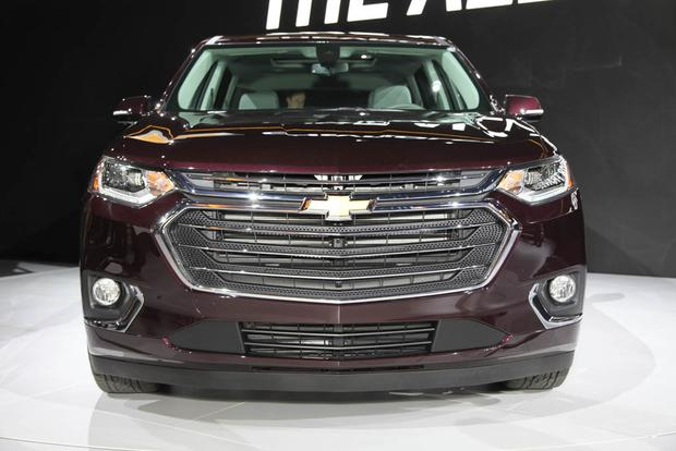 2018 Chevrolet Traverse: Detroit Auto Show featured image large thumb5