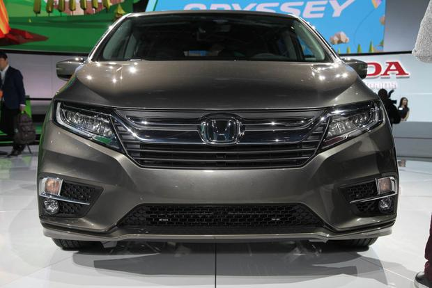 2018 Honda Odyssey: Detroit Auto Show featured image large thumb5