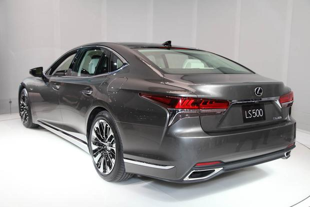 2018 Lexus LS: Detroit Auto Show featured image large thumb2