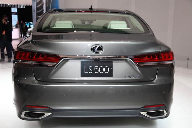 2018 Lexus LS: Detroit Auto Show featured image large thumb3