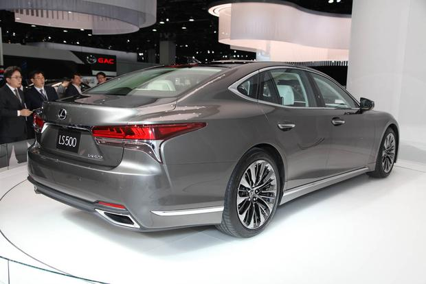 2018 Lexus LS: Detroit Auto Show featured image large thumb4