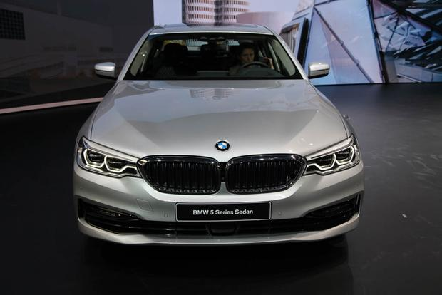 2017 BMW 5 Series: Detroit Auto Show featured image large thumb1