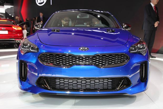2018 Kia Stinger: Detroit Auto Show - Video - Autotrader