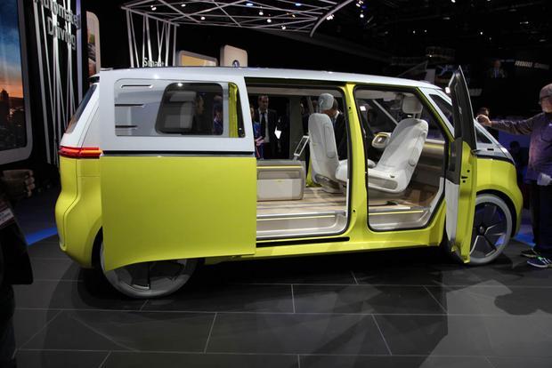 2018 Volkswagen Tiguan Detroit Auto Show Featured Image Large Thumb8