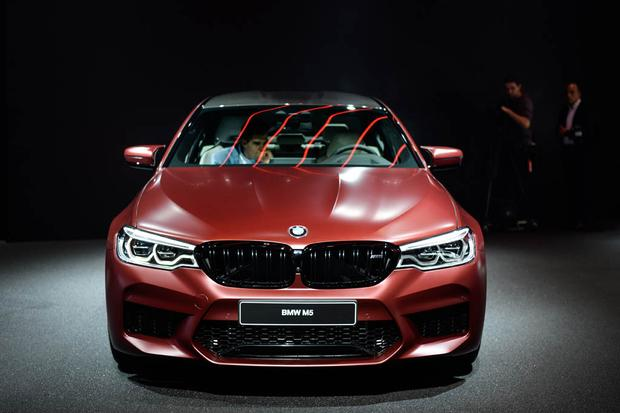 2018 BMW M5: Frankfurt Auto Show featured image large thumb0