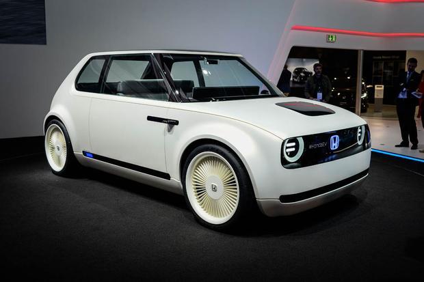 Honda Urban EV Concept and Honda CR-V Hybrid Prototype: Frankfurt Auto Show featured image large thumb1