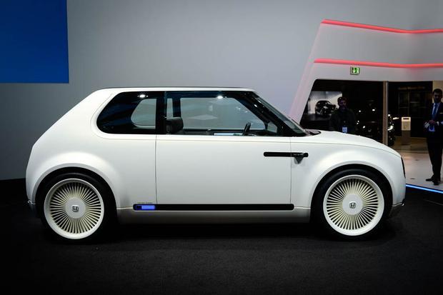 Honda Urban EV Concept and Honda CR-V Hybrid Prototype: Frankfurt Auto Show featured image large thumb2