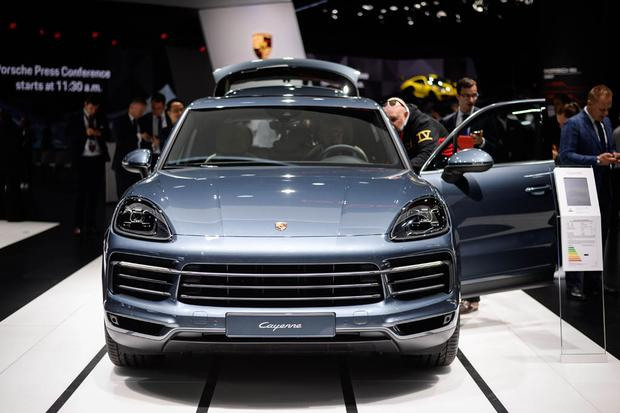2019 Porsche Cayenne: Frankfurt Auto Show featured image large thumb1