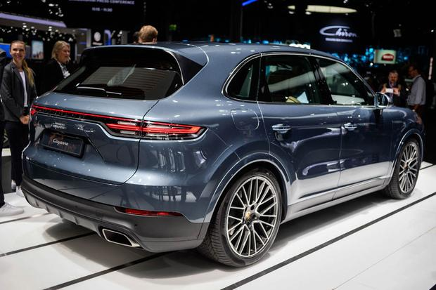 2019 Porsche Cayenne: Frankfurt Auto Show featured image large thumb2