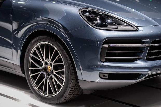 2019 Porsche Cayenne: Frankfurt Auto Show featured image large thumb4