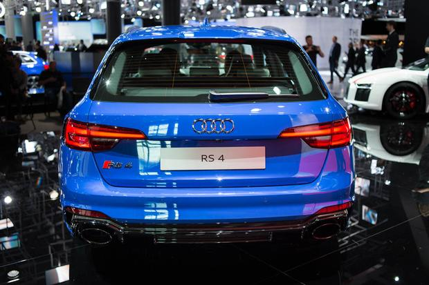 Audi RS 4 Avant: Frankfurt Auto Show featured image large thumb3