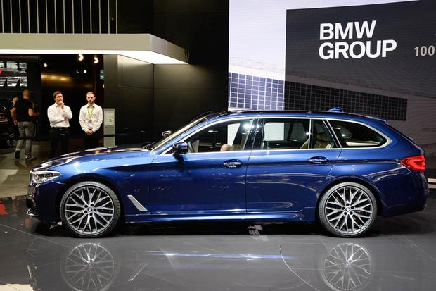 BMW 5 Series Touring: Geneva Auto Show featured image large thumb1
