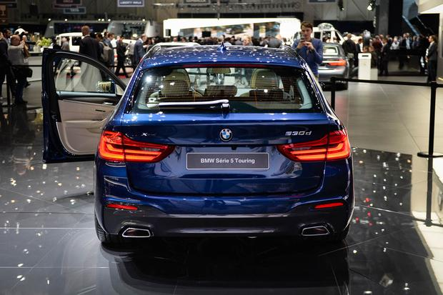 BMW 5 Series Touring: Geneva Auto Show featured image large thumb3