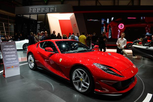 Ferrari 812 Superfast: Geneva Auto Show featured image large thumb0