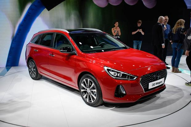 Hyundai i30 Tourer: Geneva Auto Show featured image large thumb0