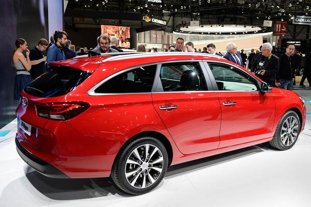 Hyundai i30 Tourer: Geneva Auto Show featured image large thumb3