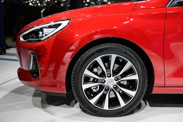Hyundai i30 Tourer: Geneva Auto Show featured image large thumb5