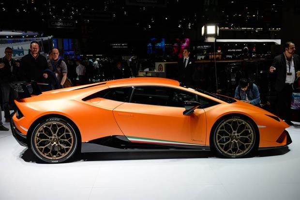 Lamborghini Huracan Performante: Geneva Auto Show featured image large thumb1