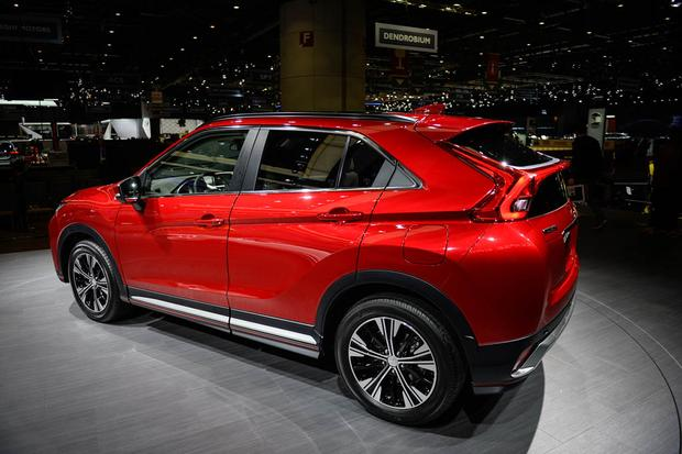 Mitsubishi Eclipse Cross: Geneva Auto Show featured image large thumb2
