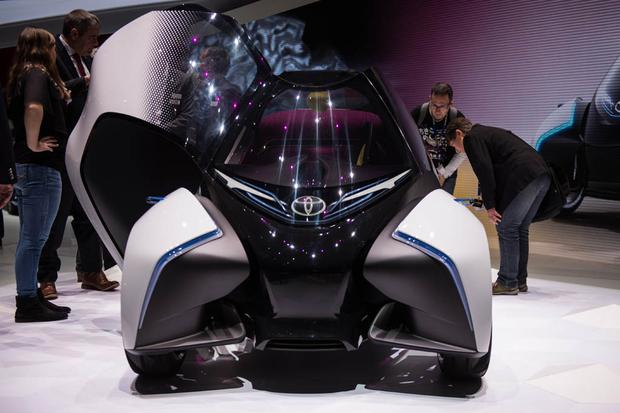Toyota i-Tril Concept: Geneva Auto Show featured image large thumb3