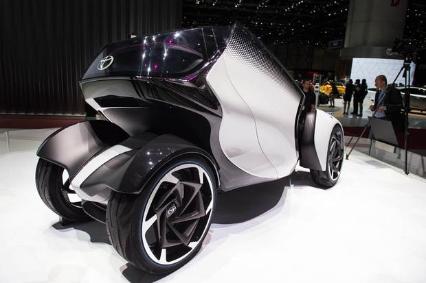 Toyota i-Tril Concept: Geneva Auto Show featured image large thumb4