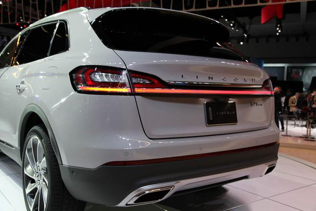 2019 Lincoln Nautilus: LA Auto Show featured image large thumb5