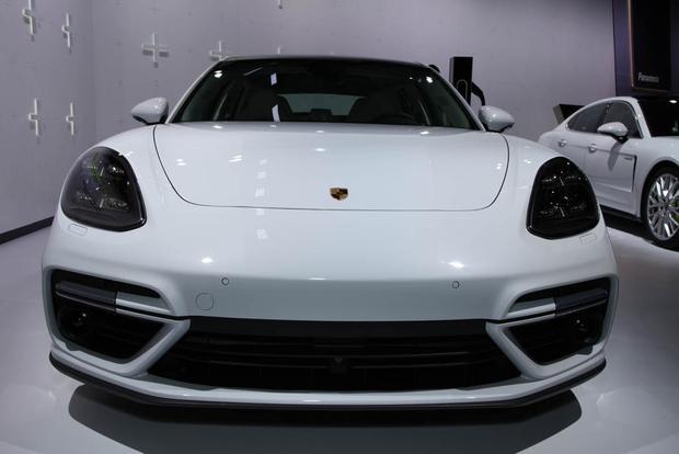 2018 Porsche Panamera Turbo S E-Hybrid Sport Turismo, 2018 Porsche 911 Carrera T: LA Auto Show featured image large thumb1