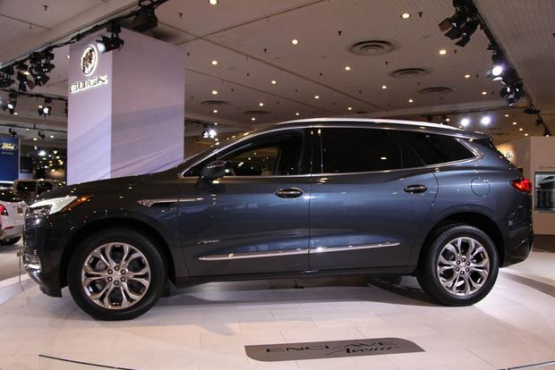 2018 Buick Enclave: New York Auto Show featured image large thumb2