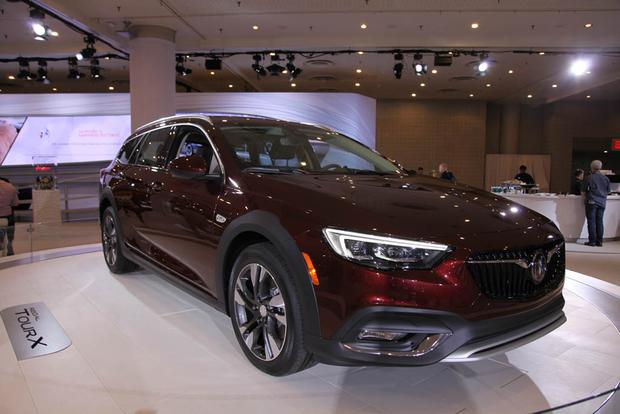 2018 Buick Regal Sportback and TourX: New York Auto Show featured image large thumb6