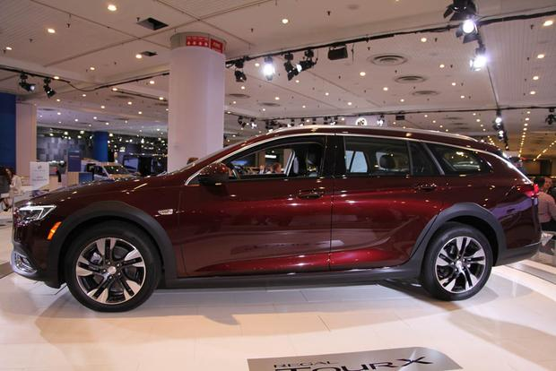 2018 Buick Regal Sportback and TourX: New York Auto Show featured image large thumb9