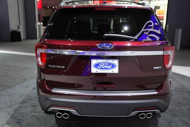 2018 Ford Explorer: New York Auto Show featured image large thumb4