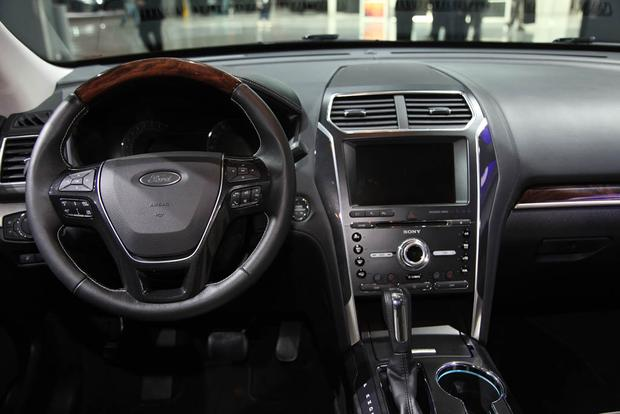 2018 Ford Explorer: New York Auto Show featured image large thumb6