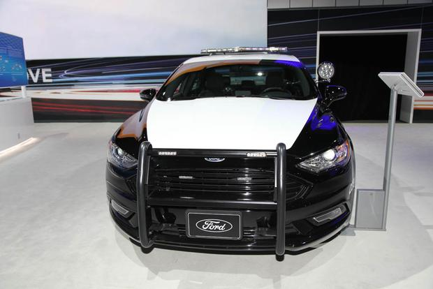 2018 Ford Police Responder Hybrid: New York Auto Show featured image large thumb2