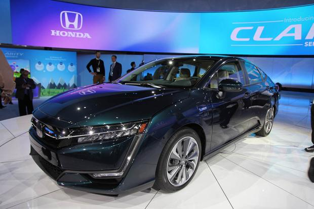 Honda Clarity: New York Auto Show featured image large thumb1
