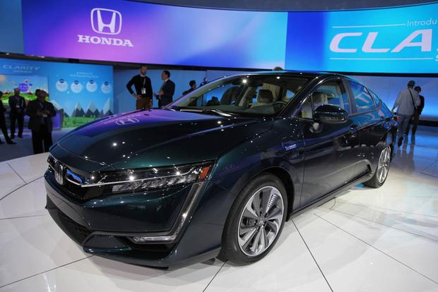 Honda Clarity: New York Auto Show featured image large thumb2