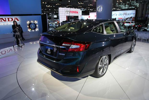 Honda Clarity: New York Auto Show featured image large thumb4