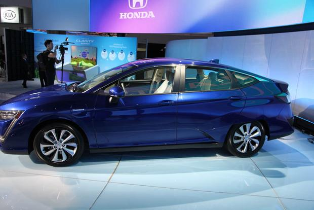 Honda Clarity: New York Auto Show featured image large thumb9