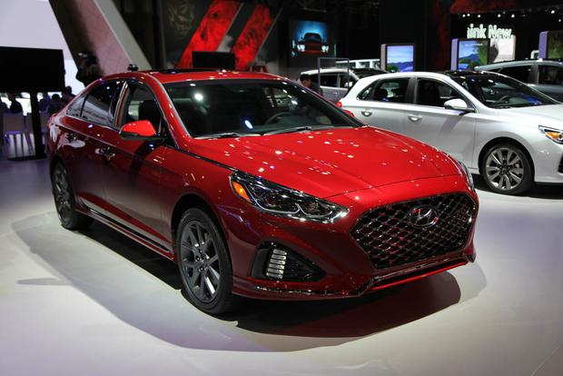 2017 hyundai sonata hybrid new car review autotrader. Black Bedroom Furniture Sets. Home Design Ideas