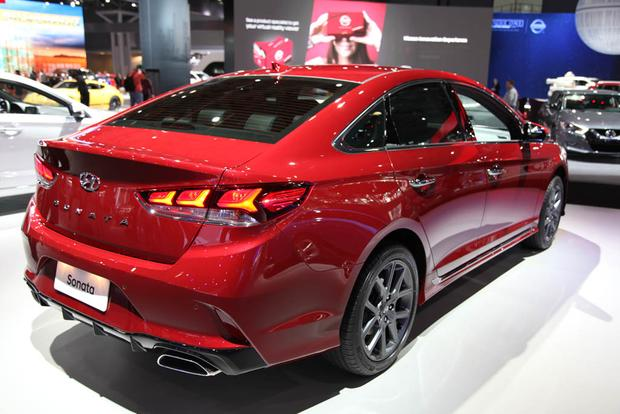 2018 Hyundai Sonata: New York Auto Show featured image large thumb3