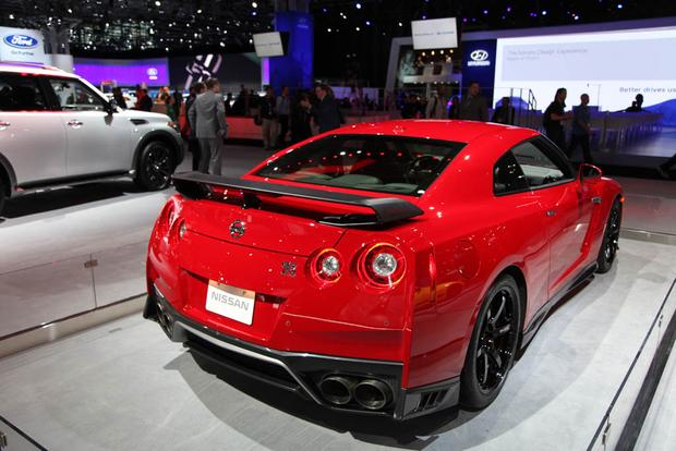2017 Nissan GT-R Track Edition: New York Auto Show featured image large thumb2