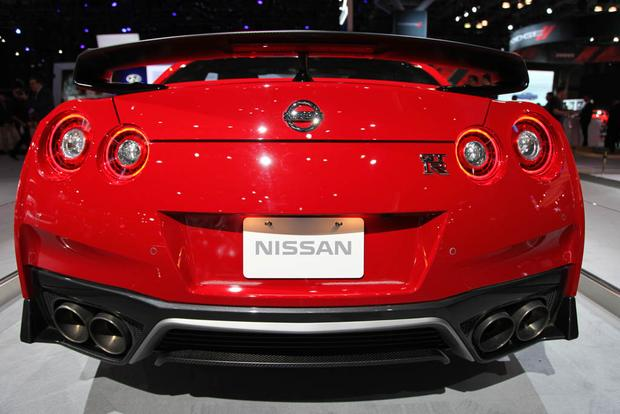 2017 Nissan GT-R Track Edition: New York Auto Show featured image large thumb3