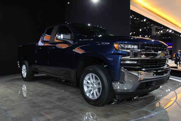 2019 Chevy Silverado: Detroit Auto Show featured image large thumb1