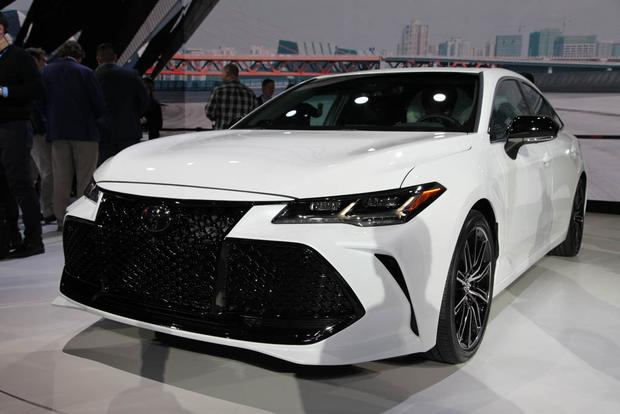 2016 Toyota Camry vs. 2016 Toyota Avalon: What's the ...