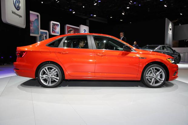 2019 Volkswagen Jetta: Detroit Auto Show featured image large thumb3