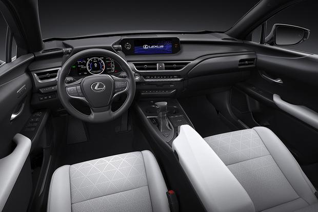 2019 Lexus UX: Geneva Auto Show featured image large thumb7