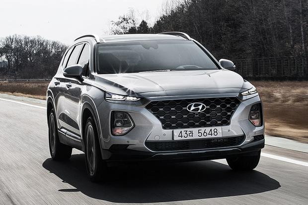 2019 Hyundai Santa Fe: Geneva Auto Show featured image large thumb1